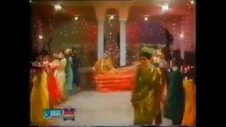 Waikh Mein Mehndi Le Ke Aa gai   Video Dailymotion