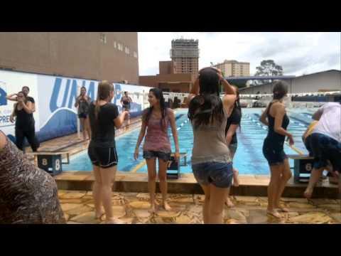 despedida odonto XLI unaerp pulando na piscina-parte 4