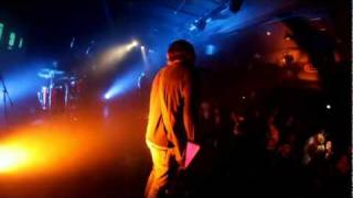 NAVEL: ACID QUEEN + CAN'T FEEL A THING (LIVE)