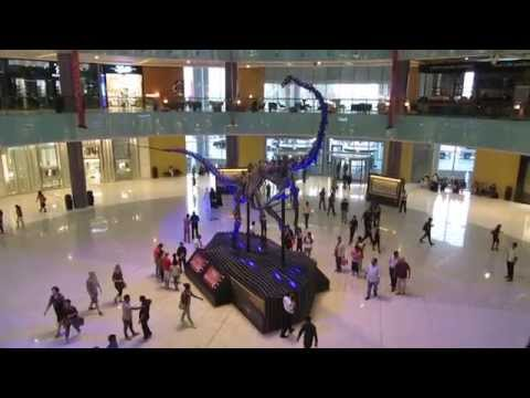 The Dubai Mall - Giant dinosaur skeleton unveiled