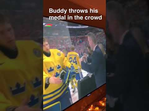 OFFICIAL: 2018 IIHF World junior Sweden player medal thrown in crowd
