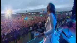 The Darkness - Love Is Only A Feeling - T In The Park - Scotland 7-10-04