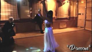 Завораживающий танец живота