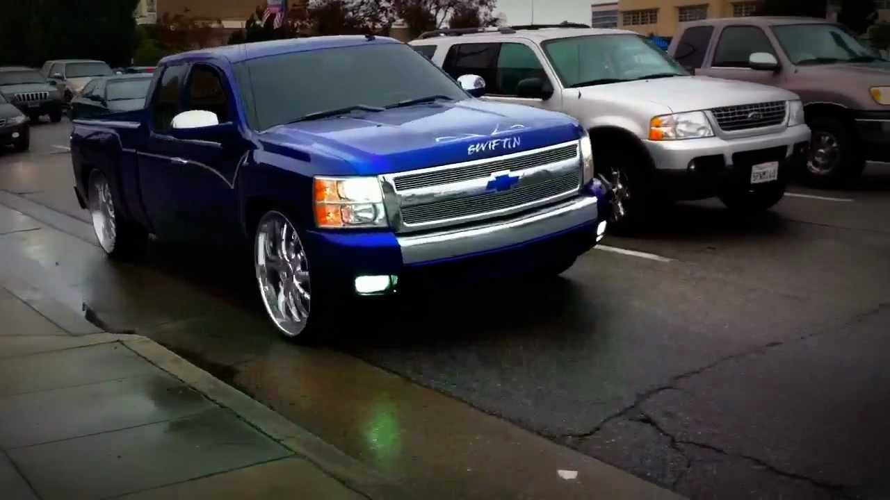 Big Chevy Truck on 24 Inch Chrome Wheels Spotted - YouTube