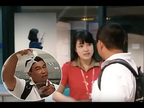 Airport Worker Tears Up Passenger's Ticket After He Missed Flight While Eating Noodles