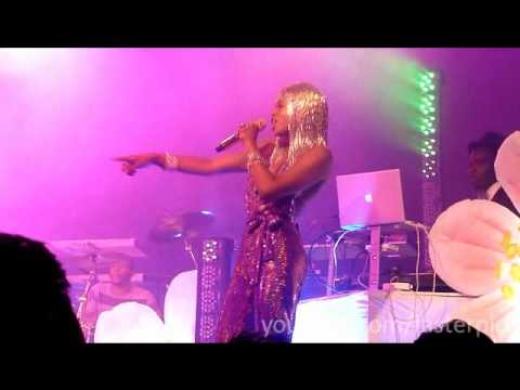 "Kelis  performs ""22nd Century"", ""Millionaire"", and ""Young, Fresh N New"" Live @ Music Box (7.23.10)"