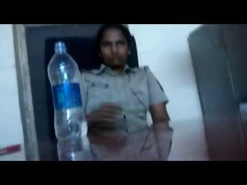 UGLY FACE  OF MUMBAI POLICE!! Lady cop @AareyPolice. How safe are single women in mumbai?