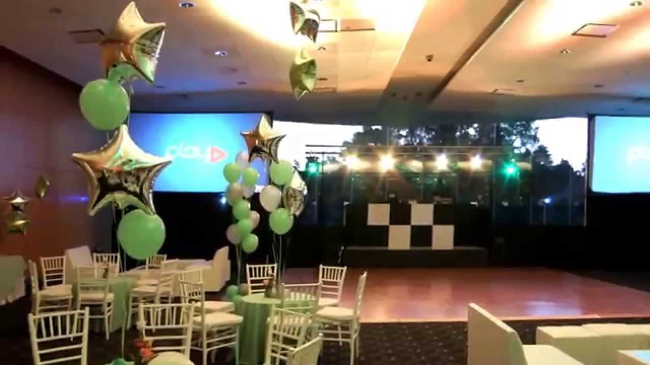 Decoraci n con globos para xv a os con helio youtube for Decoracion para 15 anos 2016