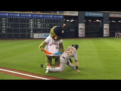 Orbit finds handkerchiefs on Josh Reddick