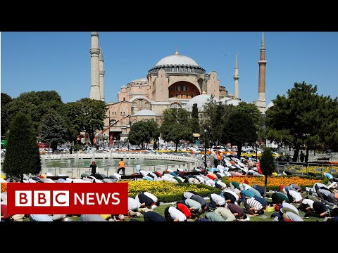 Hagia Sophia: Former Istanbul museum welcomes Muslim worshippers - BBC News