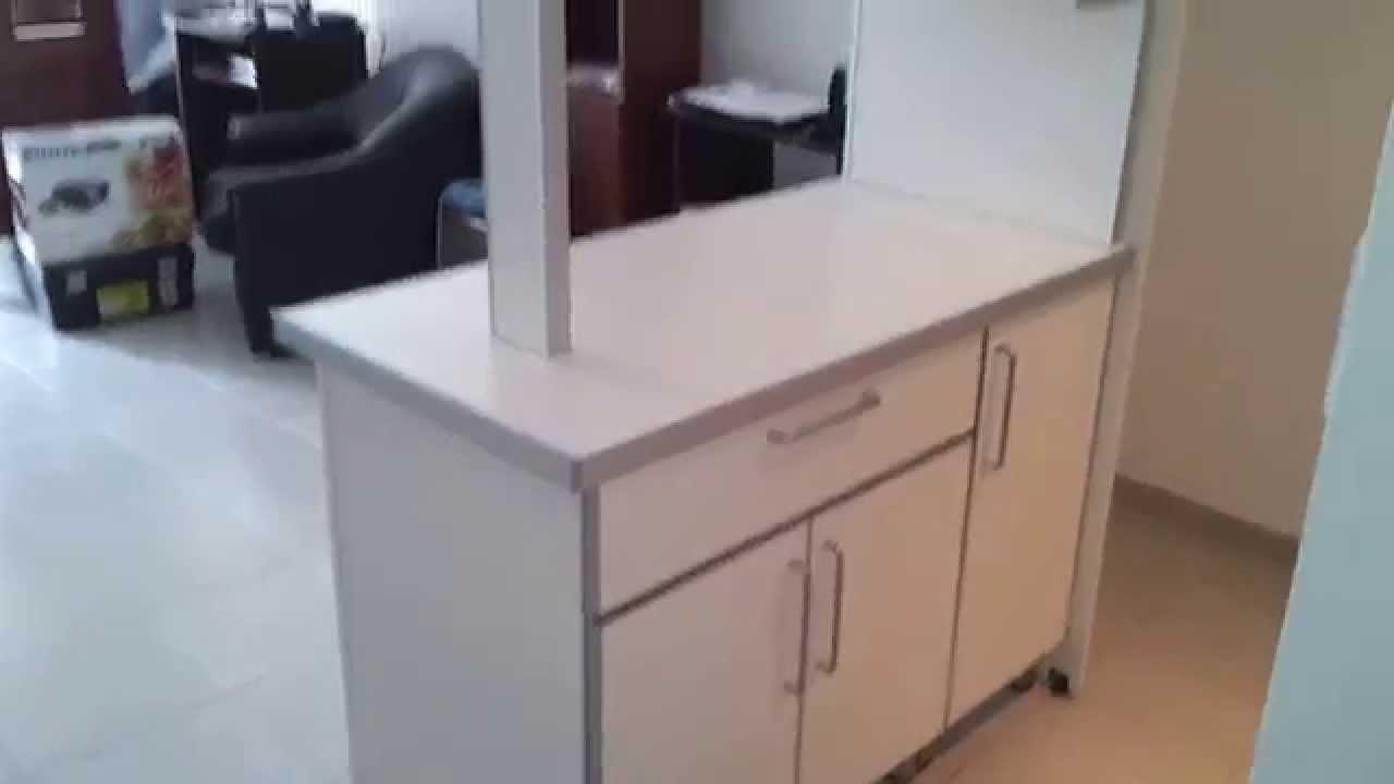 Divisor de ambientes cubre heladera barra remodelamos for Mueble barra cocina