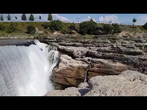 Настоящий Ниагарский Водопад в Черногории и голодная утиная семья