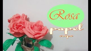 Rosa feita de papel crepe