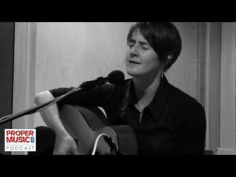 Karine Polwart - Tinsel Show (Live)