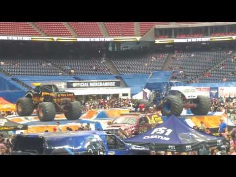 Pit Party Monster Jam Houston 2 12 2017 - YouTube