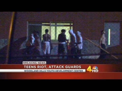 Raw Footage Of Young THUGS At Tennessee Detention Center RIOTING, ATTACKING Guards!!