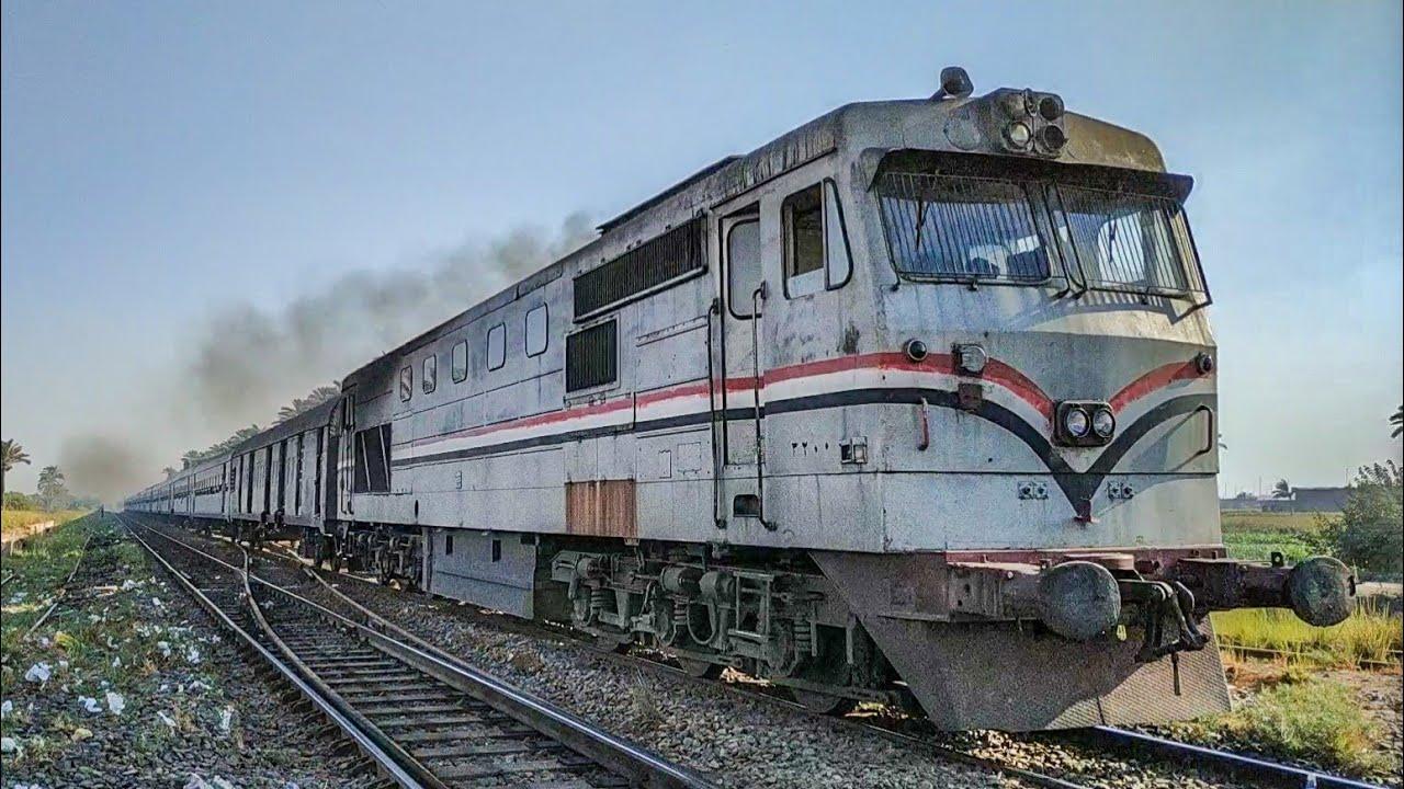 الوحش الالماني يخترق محطة مزغونة بقطار الصعيد