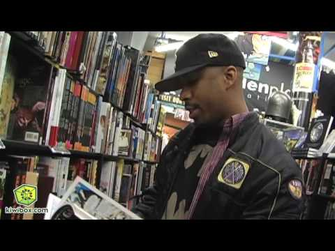 Shopping for Graphic Novels with Novel