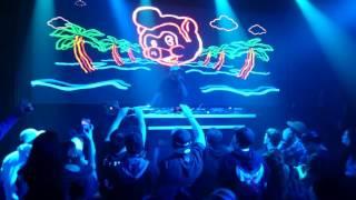 DJ Craze having fun doing what he does best!