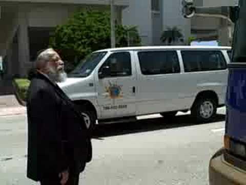 Rabbi Sholom Dovber Lipskar talks about Senator Joe Lieberman's visit to The Shul of Bal Harbour