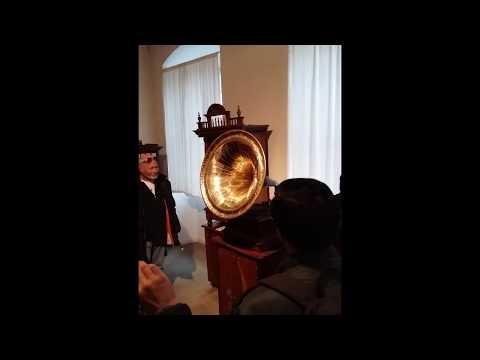 Siegfried's Mechanical Musical Instrument Museum, Que Sera Sera