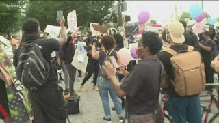 Atlanta protests sing 'Happy Birthday' to Breonna Taylor on what would have been her 27th birthday