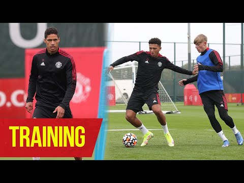 Raphael Varane trains at Carrington for the first time |  United manchester