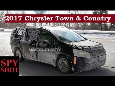 2017 Chrysler Town & Country Spy Shot !