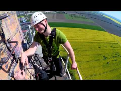 Action Jump/skok zo 110 m komína, Pezinok