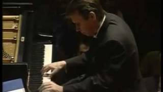 Mikhail Pletnev Plays Liszt Piano Concerto No. 2 in A major, S.125