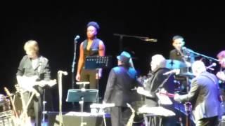Van Morrison & Jeff Beck O2 Arena 2016 : Stormy Mondaaaaay