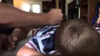 Вот как нужно бить детей!