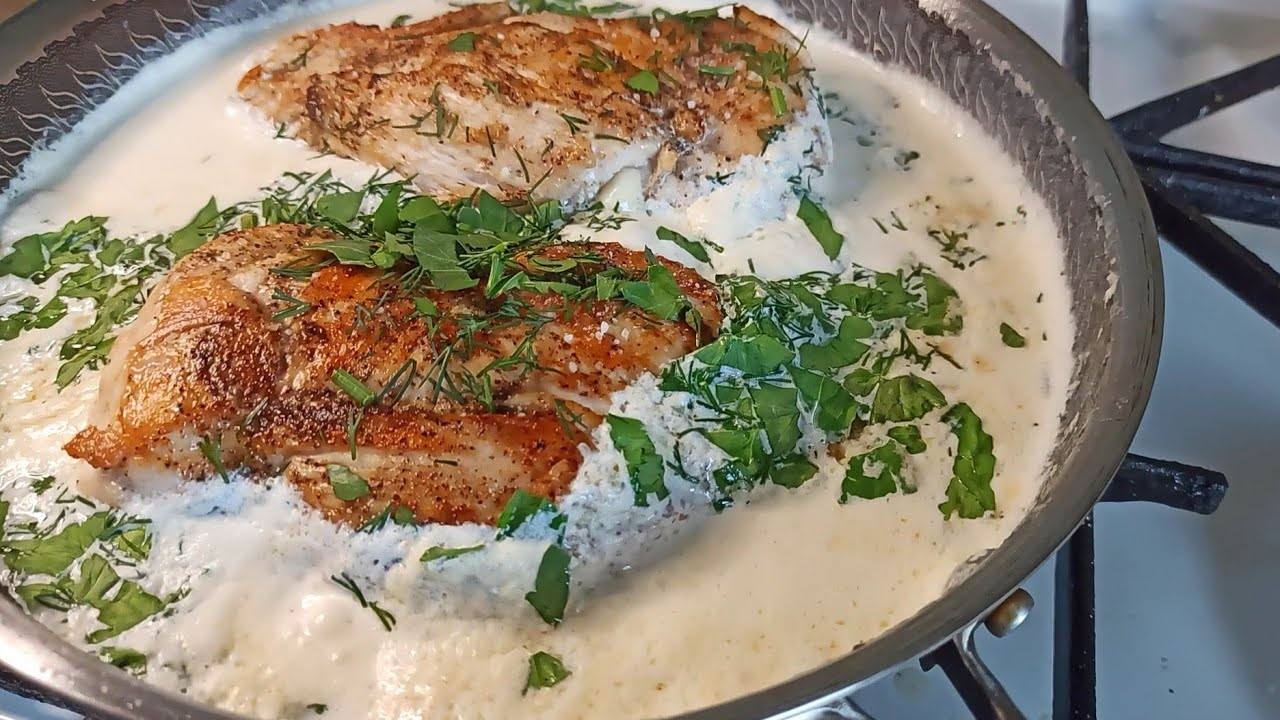 Impossible to resist. Chicken breast with garlic mushrooms in cream.