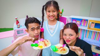 Sister Kevin Making Black Noodle | Nora Family Show