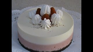 Tarta de mousse de yogurt y fresas