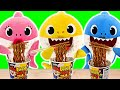 Baby sharks cooks Pororo Black Noodle Without Daddy Shark Knowing   PinkyPopTOY