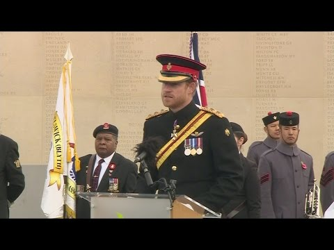 Prince Harry leads Britain in remembrance