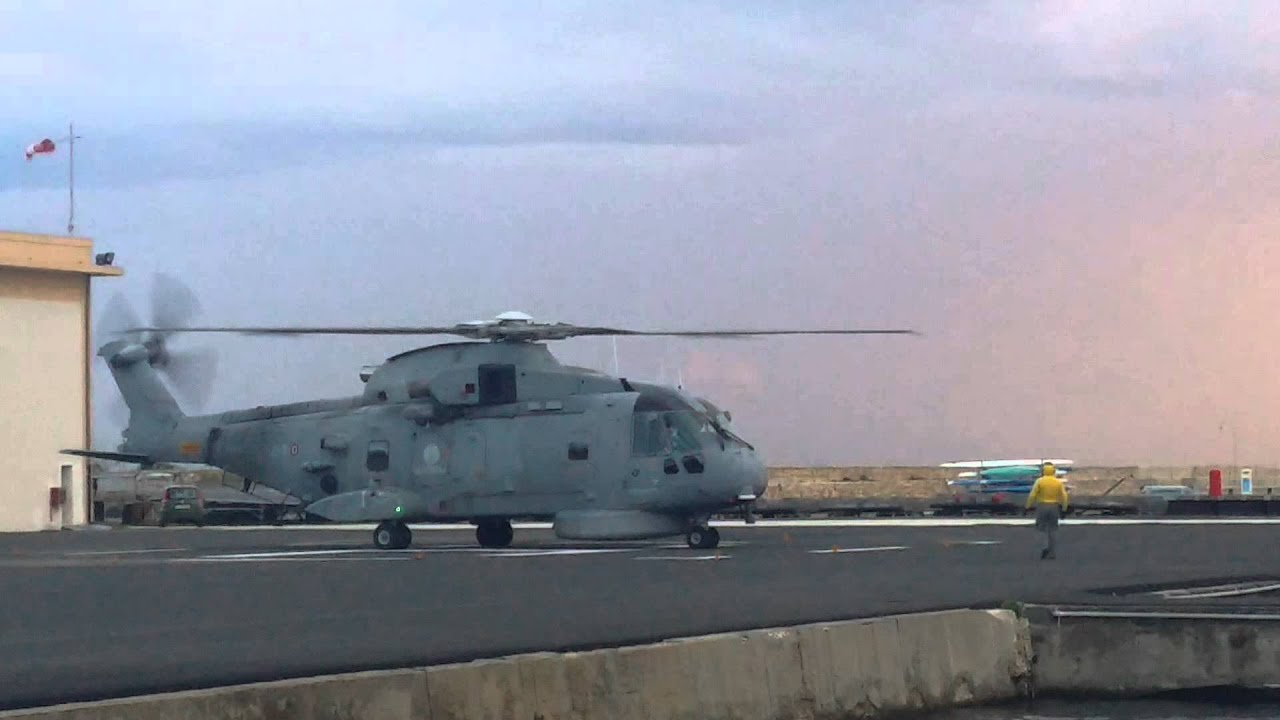 Elicottero Marina Militare : Elicottero eh marina militare youtube