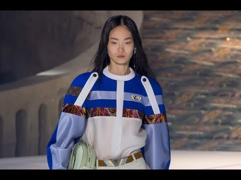 LOUIS VUITTON Fall 2018/2019 Paris - Fashion Channel