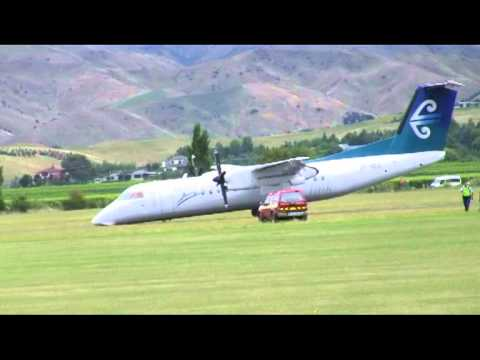 Dash8 Q300 NLG up landing 09022011.mpg