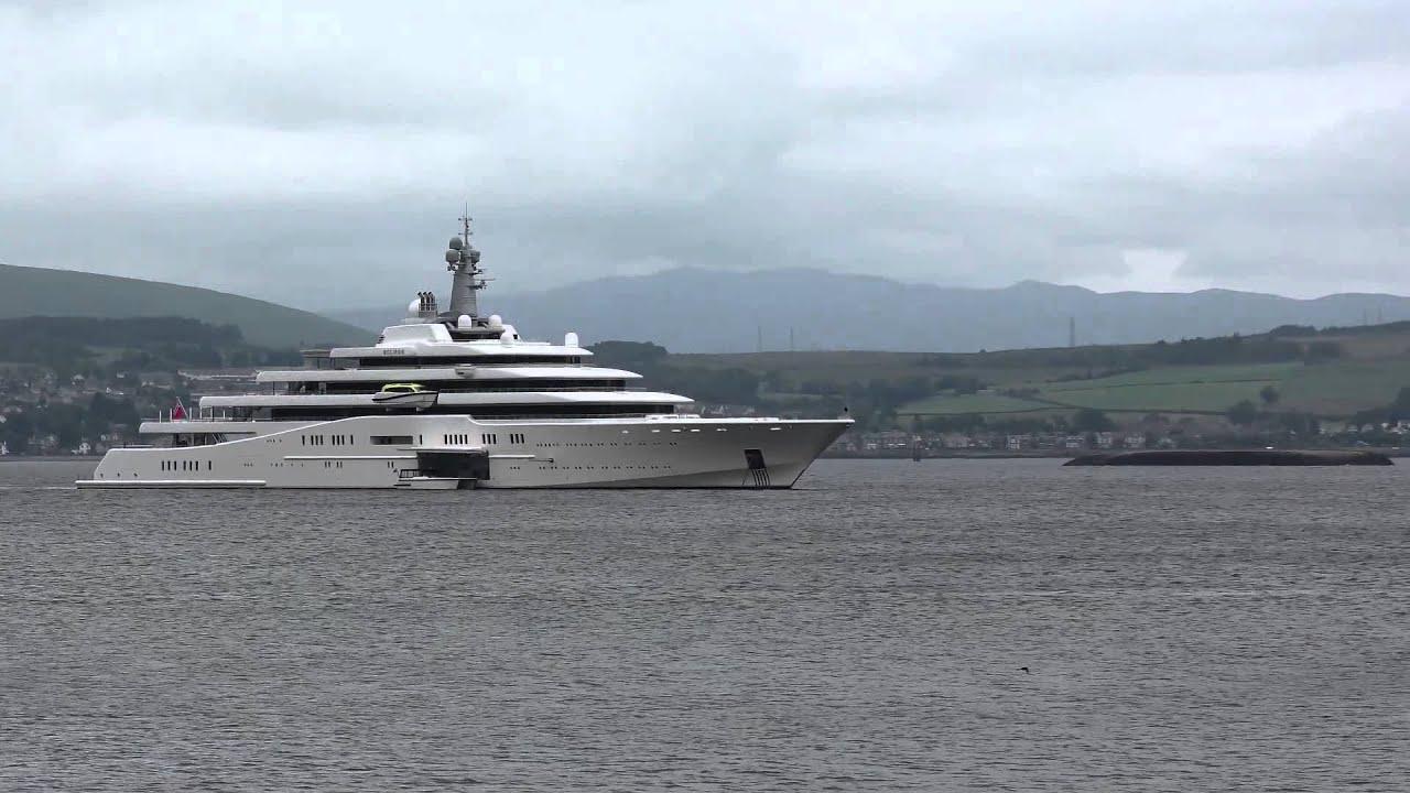 Chelsea Fc Owner Roman Abramovich Yacht In Greenock Youtube