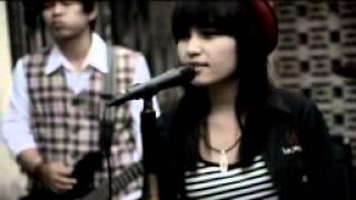 Video SIAPA band Kacau galau video clip download MP3, 3GP, MP4, WEBM, AVI, FLV Oktober 2017