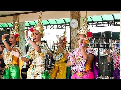 A Visit to the Erawan Golden Shrine. Wonderful Bangkok