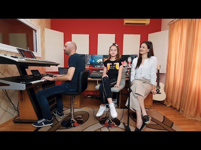 Milica Pavlovic & Lana Vukcevic Tako mi i treba (COVER)