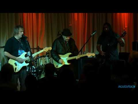 Walter Trout Live with Special Guest Ronnie Earl @ The Bull Run Restaurant 7/13/17