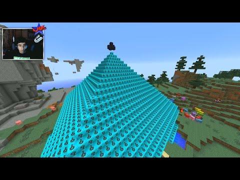 Minecraft LUCKY BLOCK PYRAMID DEFENSE #3 with Vikkstar