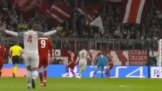 Virgil Van Dijk assist for Sadio Mane😍