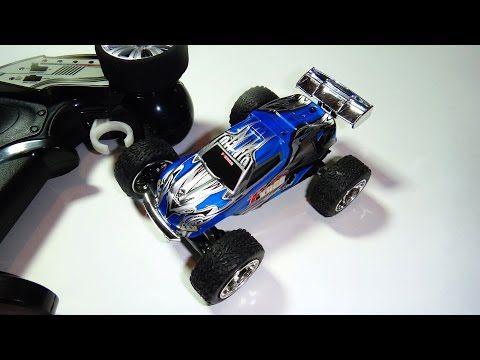 Машинка-игрушка с пультом управление фото