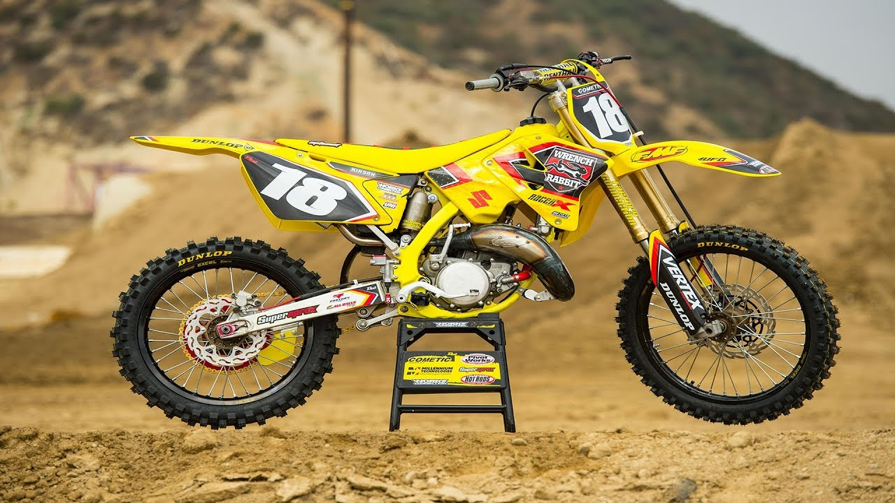 racer x films 2004 suzuki rm125 build youtube. Black Bedroom Furniture Sets. Home Design Ideas