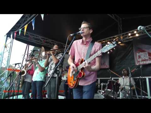 Clementine The Relay Rips at Harbourfest 2017